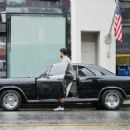 Jesse Metcalfe Runs Errands In Los Angeles - 454 x 325