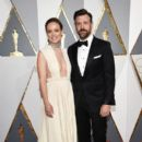 Olivia Wilde and Jason Sudeikis attends the 88th Annual Academy Awards at Hollywood & Highland Center on February 28, 2016 in Hollywood, California - 399 x 600