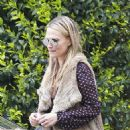 Molly Sims out in Los Angeles - 454 x 552