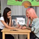 Victoria Justice – Getting a Temporary Tattoo in Los Angeles 04/09/2019 - 454 x 353
