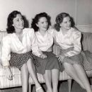 judy with sisters jimmie & suzy gumm