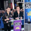 Joe Jonas announce the 2015 American Music Awards nominations at GMA Studios on October 13, 2015 in New York City - 400 x 600