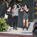 Robin Wright – Walk with her friends in West Hollywood - 454 x 352