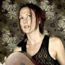 Amanda Shires - 300 x 450