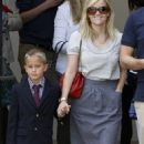 Cast-Wielding Reese Witherspoon's Mother's Day