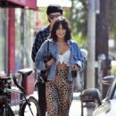 Vanessa Hudgens – Out for coffee in Los Angeles - 454 x 681