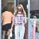 Alessandra Ambrosio – Seen at a gas station in Brentwood