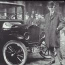 Henry Ford and the Model T - 454 x 425