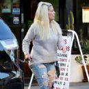 Tori Spelling in Ripped Jeans – Out in Beverly Hills