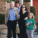 Angelina Jolie walks with her father and daughter in Los Angeles (August 12, 2017) - 454 x 577