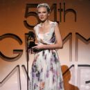 Taylor Swift Among Early 2012 GRAMMY Winners