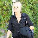 Malin Akerman out and about shopping trip in Beverly Hills, California on March 24, 2017 - 454 x 600