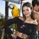 Victoria Justice – Reef Kicks off Summer With a Hollywood Hills ESCAPE in LA
