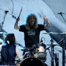 Steven Adler perform at the Rock N Roll Hall of Fame Induction on April 14, 2012 - 433 x 594