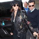 Susan Sarandon at LAX airport in Los Angeles - 454 x 726