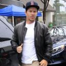 Mark Wahlberg is spotted out for lunch at the Palm Restaurant in Beverly Hills, California on January 6, 2016 - 454 x 542
