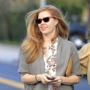 Amy Adams Goes Shopping In Beverly Hills (February 9, 2017) - 454 x 600