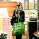 Rosie Huntington Whiteley – Shopping in Los Angeles