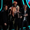 The 2012 MTV Movie Awards - Show - 454 x 407