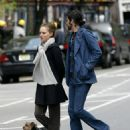 Natalie Portman And Devendra Banhart Holding Hands In NYC, 2008-05-01 - 454 x 598