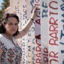 Al otro lado del muro - Adriana Barraza
