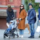 Anne Hathaway with husband Adam – Out in Chelsea in New York City - 454 x 473