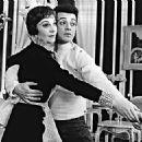 Tovarich (musical) Original 1963 Broadway Cast Starring Vivien Leigh - 400 x 325
