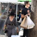 Sarah Hyland and Wells Adams – Shopping at Farmer's Market in Los Angeles - 454 x 614