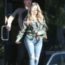 Khloe Kardashian is spotted leaving a studio in Los Angeles, California on March 28, 2017 - 434 x 600
