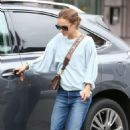 Natalie Portman out in Beverly Hills - 454 x 681