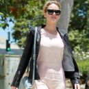 Jennifer Lawrence goes out for lunch with a friend in Los Angeles