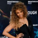 Tyra Banks – 8th Annual Breakthrough Prize Ceremony in Mountain View
