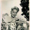 Shirley Bonne - 454 x 594