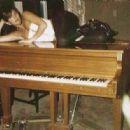 Adriana Smith - 454 x 315