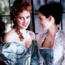 Winona Ryder As Mina And Sadie Frost As Lucy In Bram Stocker´s Dracula (1992).