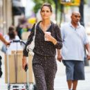 Katie Holmes shopping on Madison Ave in NYC - 454 x 676