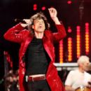 Rolling Stones Perform At The Isle Of Wight Festival 2007 - 428 x 594