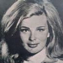 Linda Evans - 454 x 455