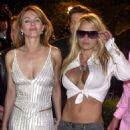 Elizabeth Hurley & Pamela Anderson - 2001