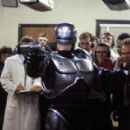 RoboCop - 454 x 304