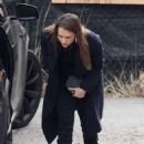 Jessica Alba – Going Christmas tree shopping in Beverly Hills
