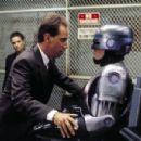 RoboCop - 454 x 301