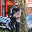 Hilary Duff stops by a gym for a workout in Studio City, California on January 24, 2017 - 411 x 600