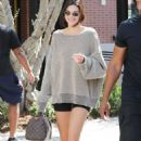 Kendall Jenner – Out in Calabasas