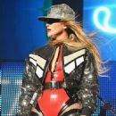 Jennifer Lopez – Performs at Calibash in Los Angeles