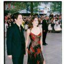 Elizabeth Hurley and Hugh Grant - 454 x 680
