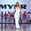 Jennifer Hawkins- MYER Spring-Summer 2014 Collection Fashion Show - 454 x 303