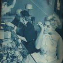 Kim Novak - Screen Magazine Pictorial [Japan] (May 1960) - 454 x 674