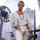 Rutger Hauer in Flesh+Blood (1985) - 380 x 580