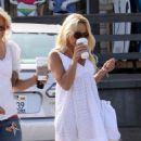 Pamela Anderson - Starbucks In Malibu 7-6-2010